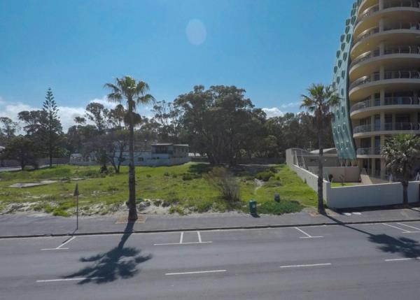 2181 m² vacant land for sale in Strand South