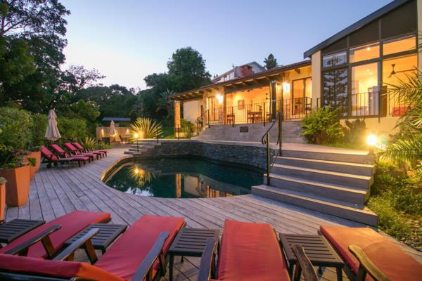 4-star 11 guest room bed & breakfast for sale in Paradise (Knysna)