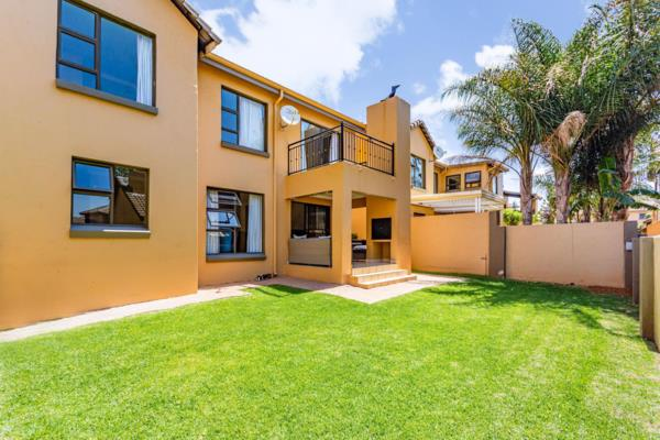 3 bedroom cluster house for sale in Ruimsig