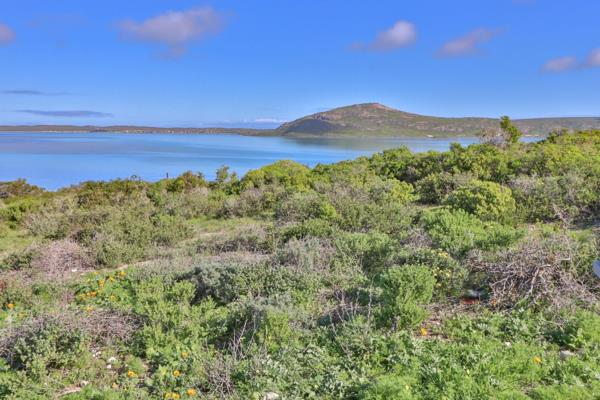 690 m² residential vacant land for sale in Shark Bay
