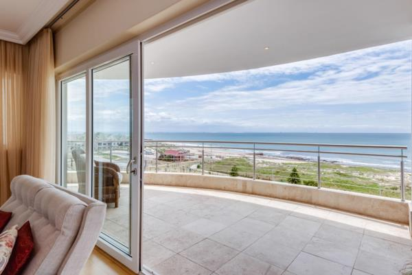3 bedroom apartment for sale in Summerstrand