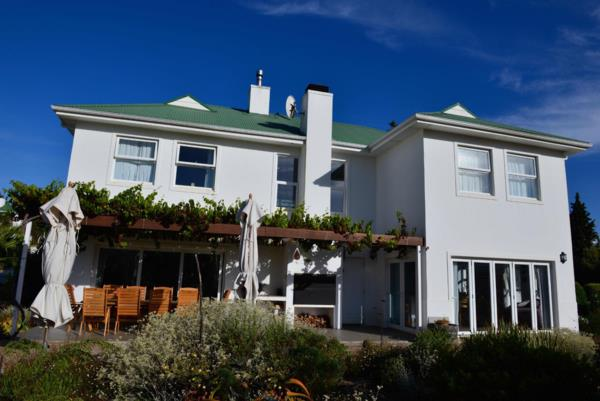 3 bedroom security estate home for sale in Theewaterskloof