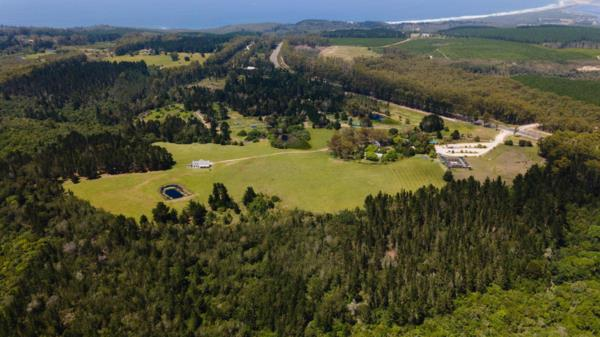 54 hectare lifestyle property for sale in The Crags
