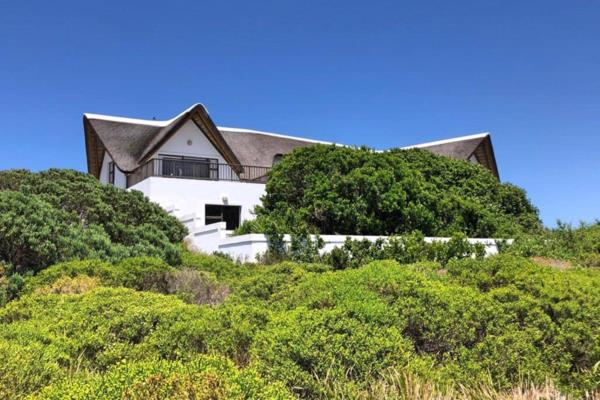 5 bedroom house for sale in St Francis Links