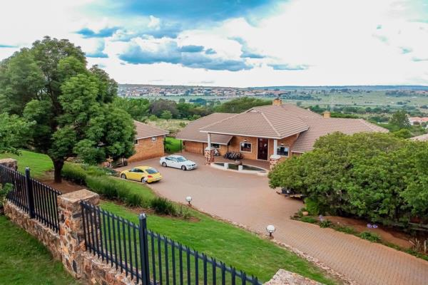 4 bedroom house for sale in Cornwall Hill