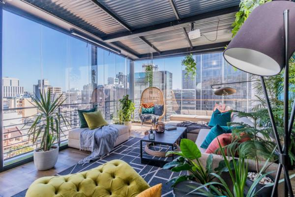 2 bedroom penthouse apartment for sale in Cape Town Central