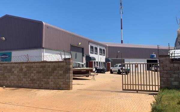 875 m² commercial industrial property for sale in St Francis Bay Industrial