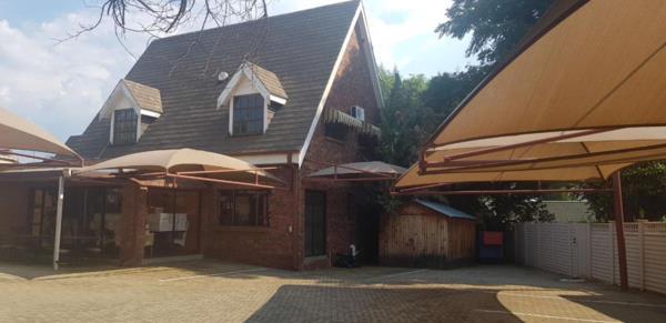 356 m² commercial office for sale in Westdene (Bloemfontein)