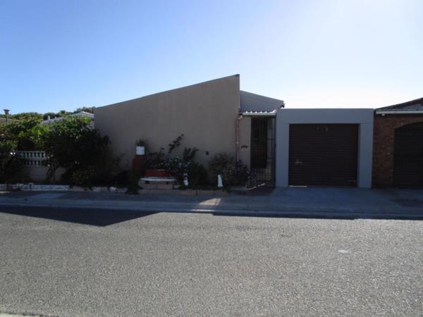 4 bedroom house for sale in Westridge (Mitchells Plain)