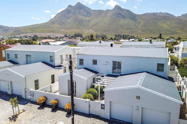 4 bedroom house for sale in Kleinmond