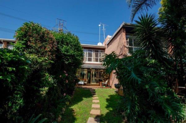 2 bedroom townhouse for sale in Alberante