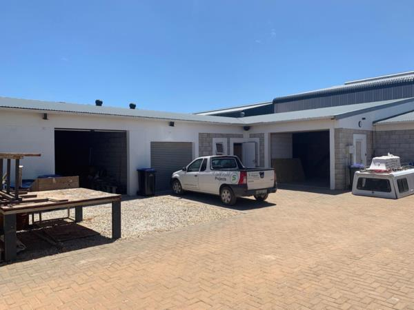 523 m² commercial industrial property for sale in St Francis Bay Industrial