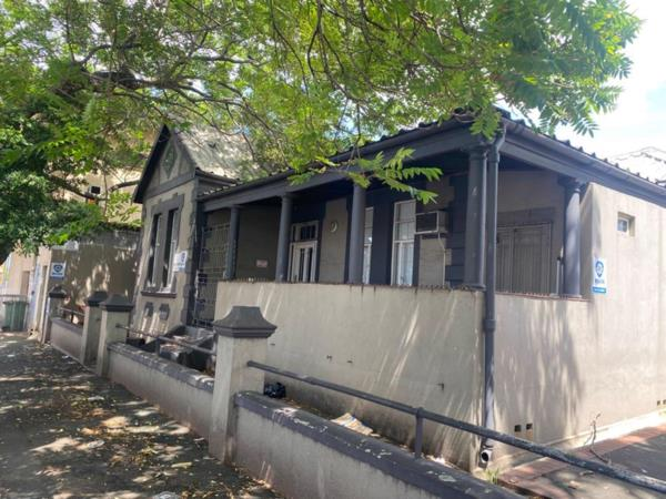 604 m² commercial office for sale in Bulwer (Durban)
