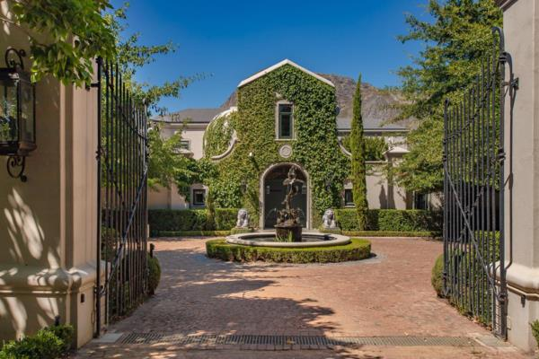 2 hectare wine farm for sale in Franschhoek Rural
