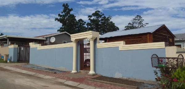 2 bedroom house for sale in Southernwood (Mthatha)