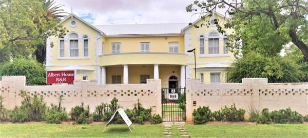3-star 7 guest room guesthouse for sale in Cradock