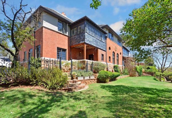 6 bedroom house to rent in Westcliff (Johannesburg)