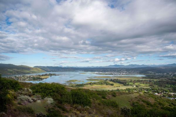 1070 m² residential vacant land for sale in Fernwood (Knysna)