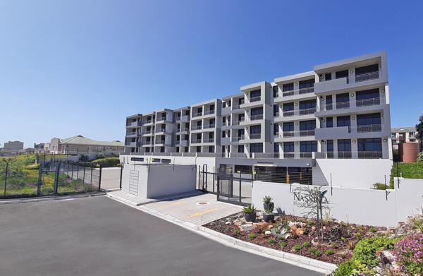 2 bedroom apartment for sale in Bloubergstrand