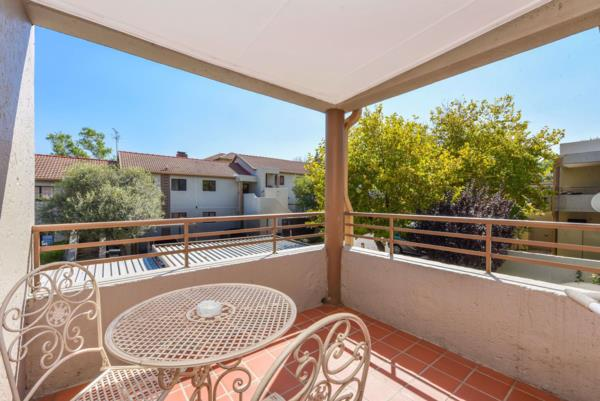 3 bedroom apartment for sale in Douglasdale