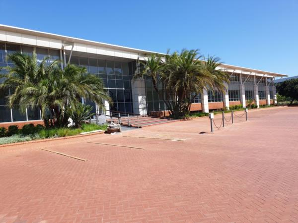 Commercial office to rent in La Lucia