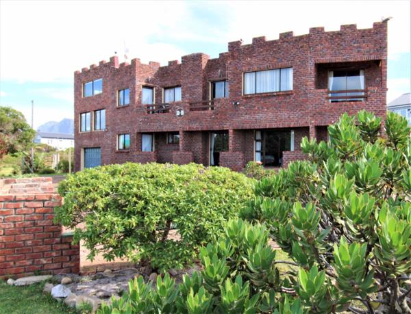 6 bedroom house for sale in Bettys Bay