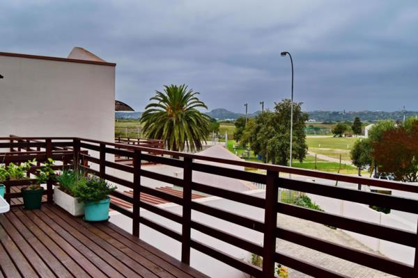 2 bedroom double-storey apartment for sale in Groot Brakrivier Central