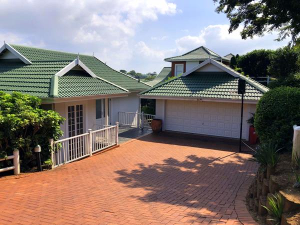 3 bedroom house to rent in Mount Edgecombe Country Estate