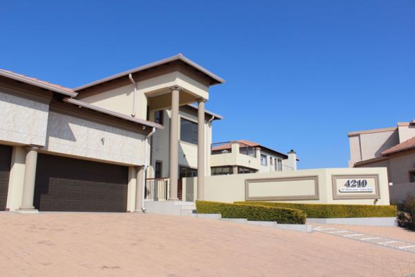 4 bedroom house for sale in Blue Valley Golf Estate