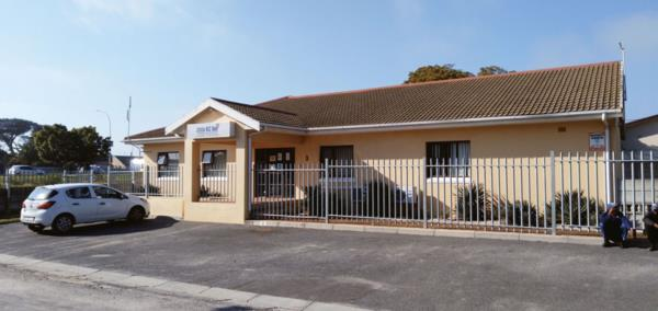 286 m² commercial office for sale in Mabille Park