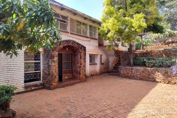 4 bedroom house for sale in Glen Lorne (Zimbabwe)