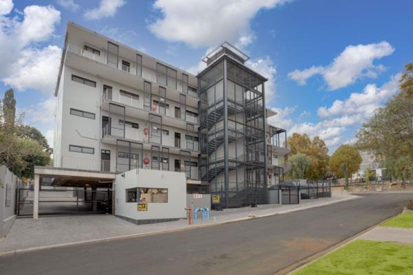 2974 m² block of flats for sale in Parkmore