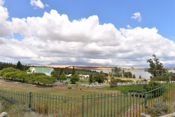 660 m² residential vacant land for sale in Theewaterskloof