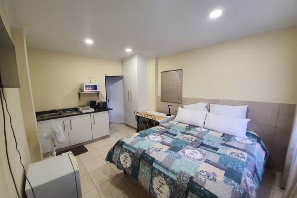 1 bedroom studio apartment to rent in Dawncliffe