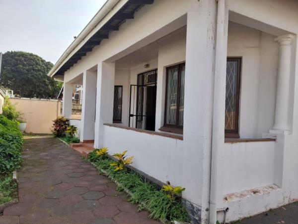 4 bedroom house for sale in Bulwer (Durban)