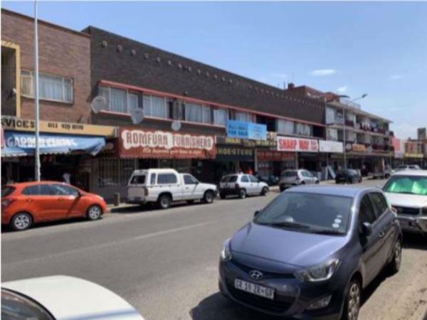 991 m² block of flats for sale in Boksburg