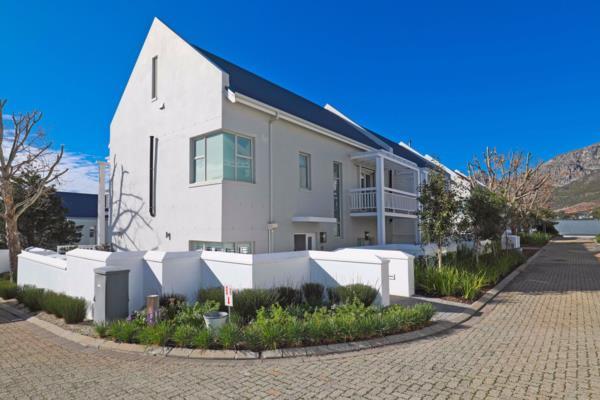3 bedroom house for sale in Nieuwe Steenberg