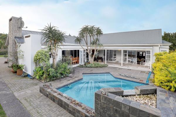 6 bedroom house for sale in Durbanville