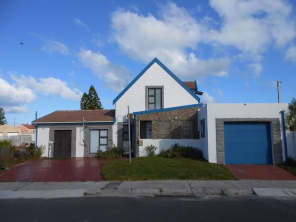 4 bedroom house for sale in Wavecrest