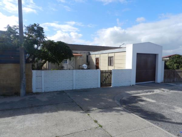 3 bedroom house for sale in Rocklands (Mitchells Plain)