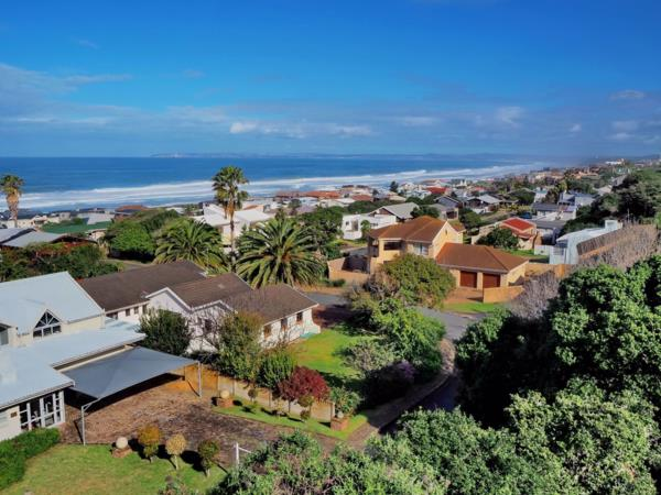 872 m² residential vacant land for sale in Outeniqua Strand