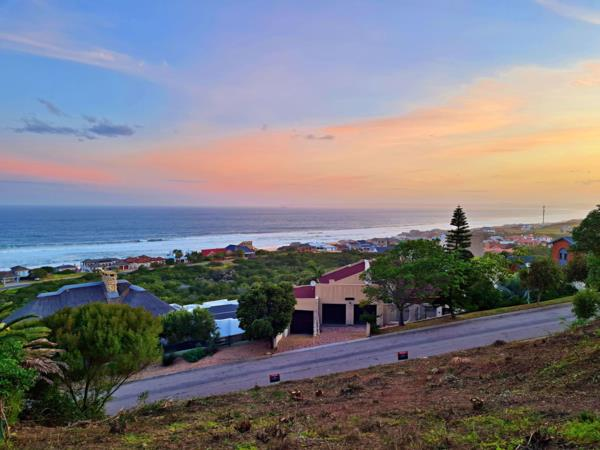1394 m² residential vacant land for sale in Outeniqua Strand