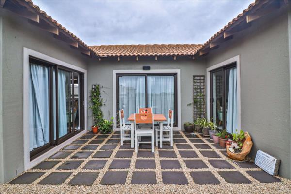 6 bedroom house for sale in Langebaan Country Estate