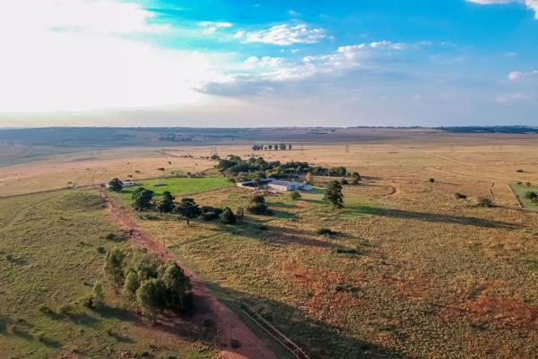 1561907 m² farm vacant land for sale in Grootfontein