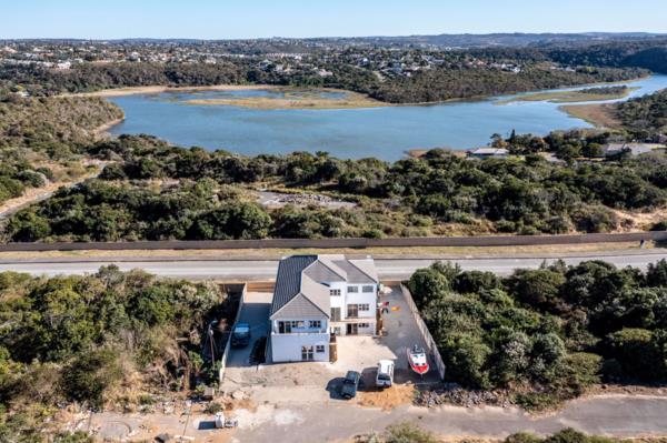 13 bedroom house for sale in Beacon Bay