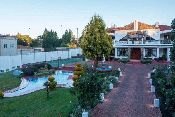 5 bedroom house for sale in Borrowdale (Zimbabwe)