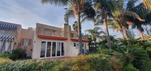 3 bedroom apartment for sale in Caribbean Beach