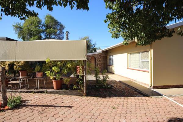 3 bedroom house for sale in Oudtshoorn North