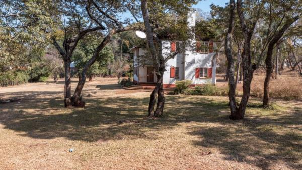 18777 m² vacant land for sale in Avondale (Zimbabwe)