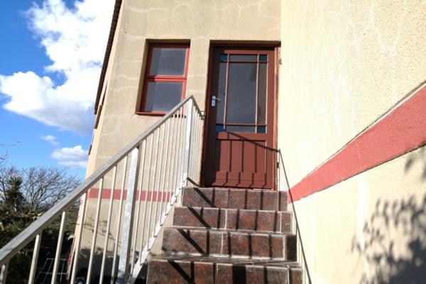 2 bedroom apartment to rent in Van Riebeeckstrand